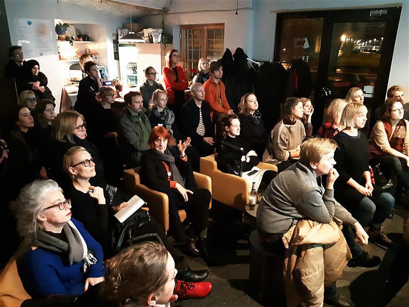 """Aruteluõhtu """"Räägime kunstipoliitikast!"""". Foto Maarin Mürk. Allikas Sirp."""